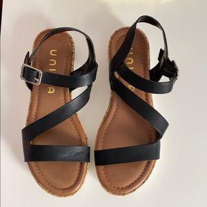 platform sandels